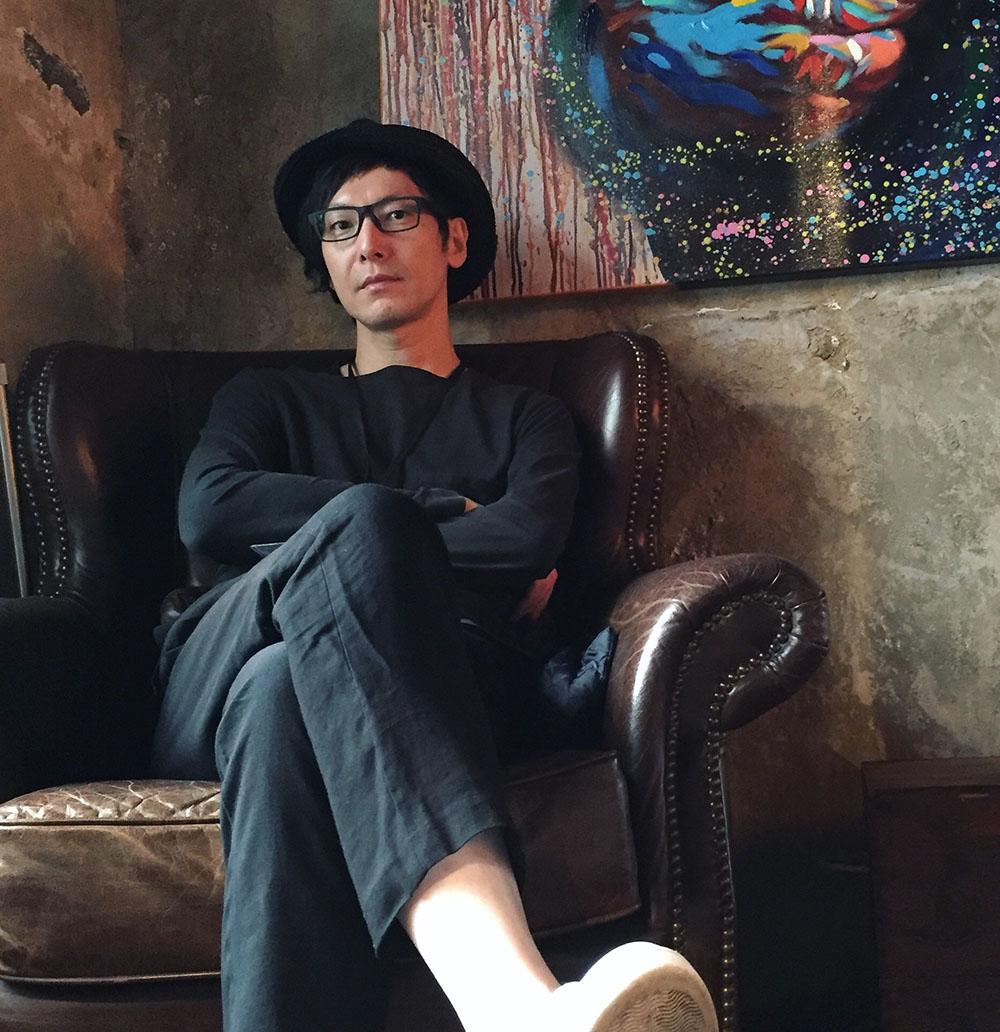 takahiko_akiyama_1000