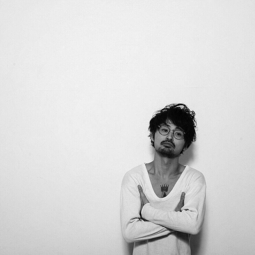Akinobu Aoki_Artist Photo_sml
